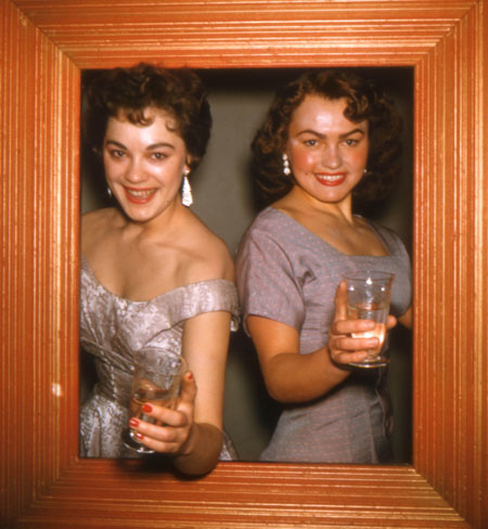 Dick Oulton, Women in Frame, Left side of of stereo transparency. Circa 1957.  Collection of Lincoln Clarkes.