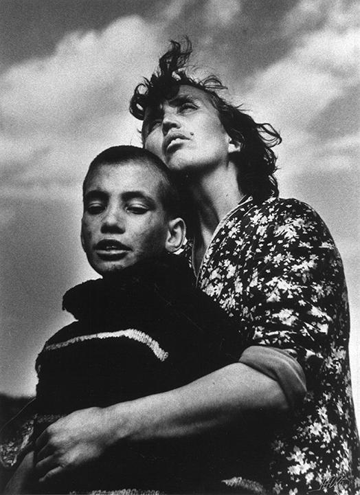 Jacko Vassilev, Motherhood, Bulgaria, 1988. ©Jacko Vassilev