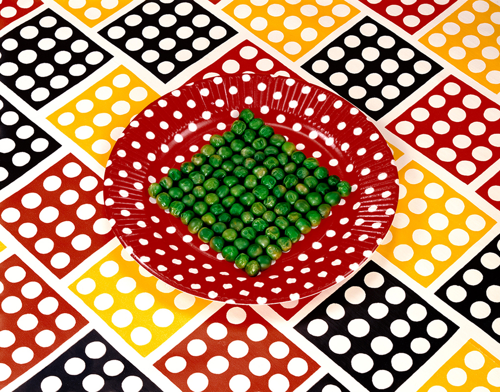 Sandy Skogland, Peas on a Plate, 1978. © Sandy Skogland, Courtesy RYAN LEE Gallery, New York