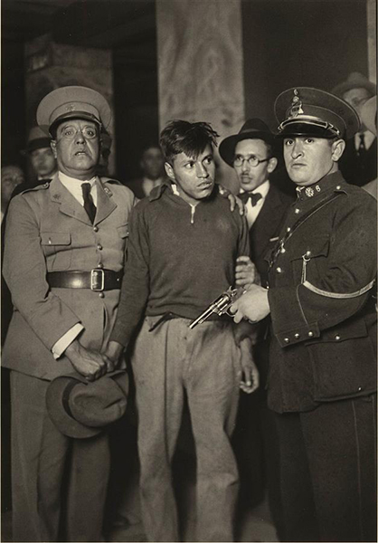 Delinquent with his weapon, Mexico City, ca.1935