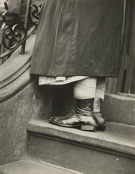 Leon Levinstein, Woman on Steps, 1950s. gelatin silver print